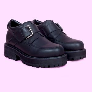 UNIF Leather Chunky Combat Buckle Creeper Shoes